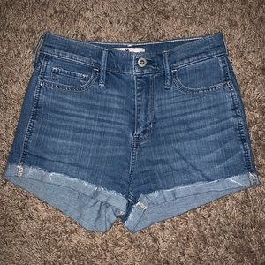 hollister high waisted jean shorts